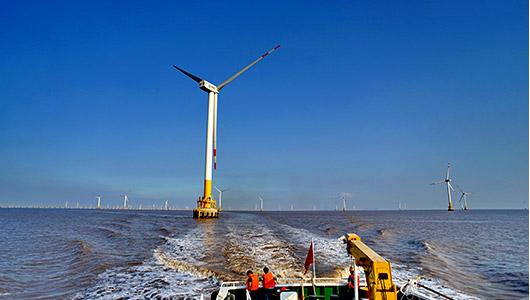 上海东海大桥风电场由上海东海风力发电有限公司投资
